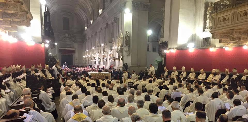 Adorazione Eucaristica per l'unità della Chiesa di Palermo